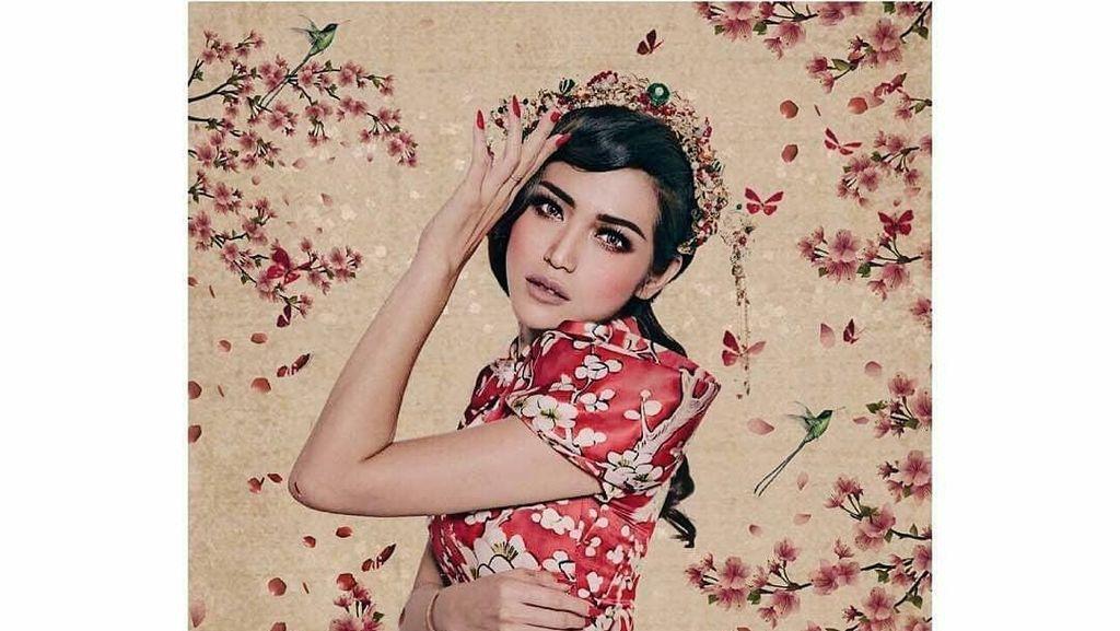 Tahun Baru Imlek, Ini Gaya 12 Artis Cantik Indonesia Berbaju Cheongsam