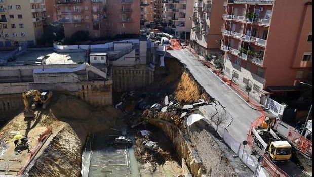 Lubang Menganga Tiba-tiba Muncul di Roma, Telan Kendaraan dan Gedung