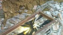 Longsor Terjang Rumah Warga di Purworejo