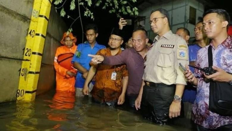 Sebut Banjir di Cakung Terjadi Tiap Tahun, Anies Soroti Mistar Jalan