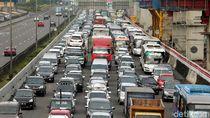 Imbas Pengerjaan Proyek, Tol Jakarta-Cikampek Macet 11 Km