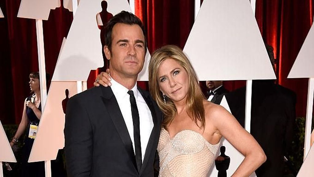 Begini Kehidupan Jennifer Aniston dan Justin Theroux Setelah Cerai