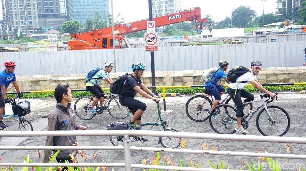 Tips Buat Kamu yang Mau Ikutan Bike Friday Seperti Sandiaga Uno