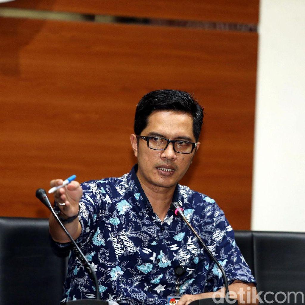 KPK Geledah Kantor Kontraktor Proyek Jalan Bengkalis