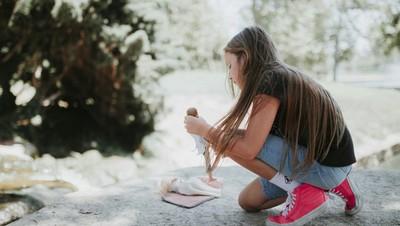 Cerita Bunda yang Diminta Putrinya Memotret Pernikahan Boneka