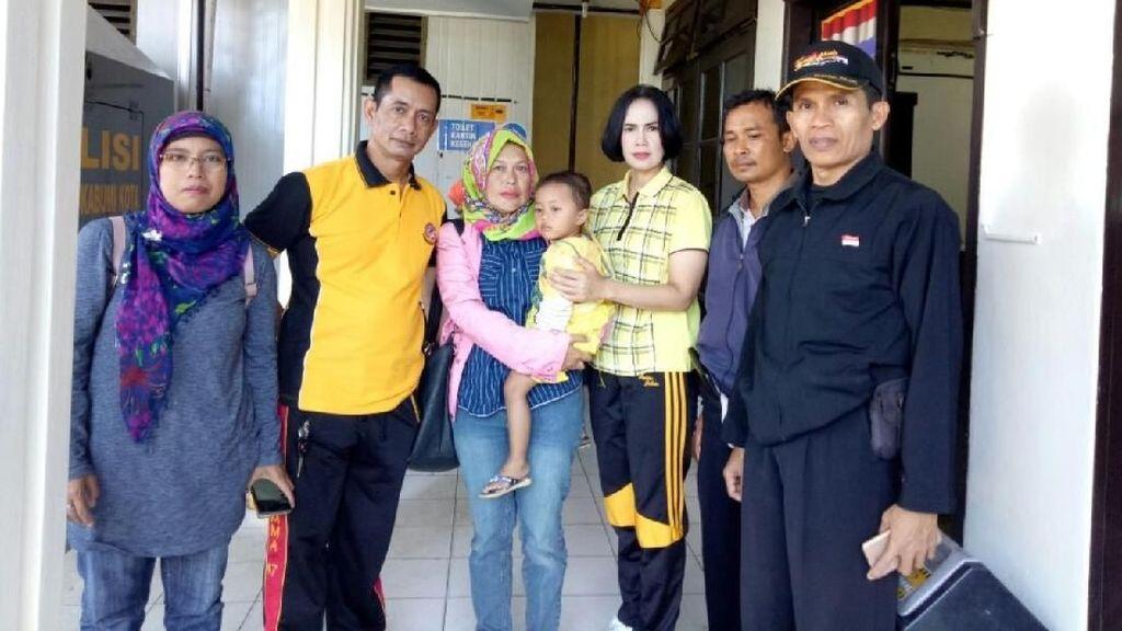 Pegang Baju Ibu, Bocah 3 Tahun Ditemukan Terlantar di Sukabumi
