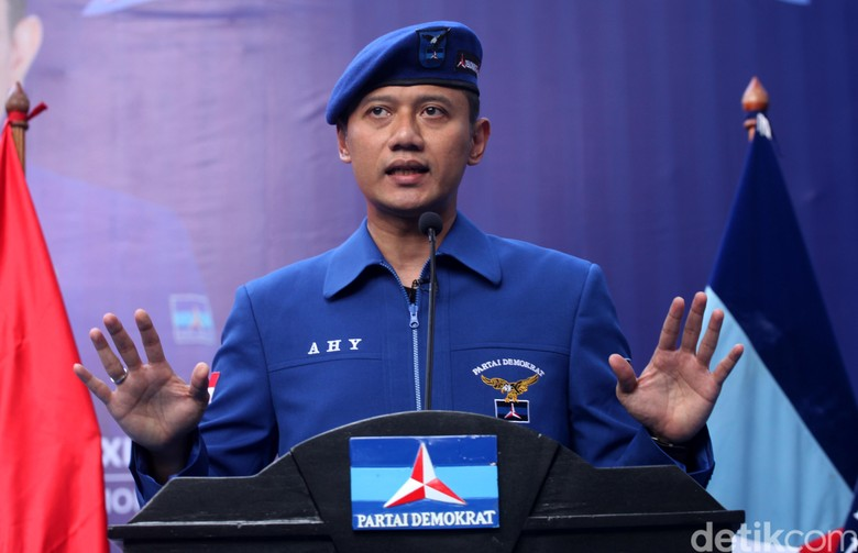 AHY Ingin Dialog dengan Mega, Sinyal Demokrat Dukung Jokowi?