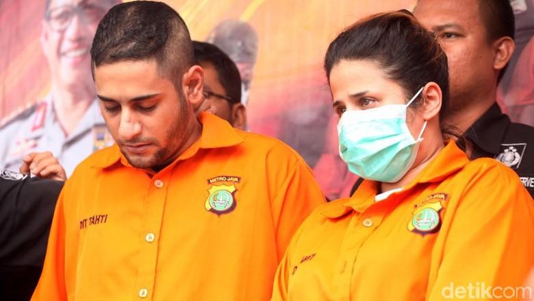 Dhawiya Ditahan karena Kasus Narkoba, Elvy Sukaesih Belum Jenguk