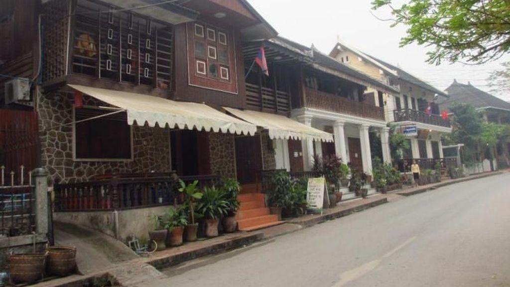 Berkeliling Kota Warisan Dunia UNESCO di Laos