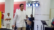 Video Aksi Sandiaga Menjajal Stand-up Comedy