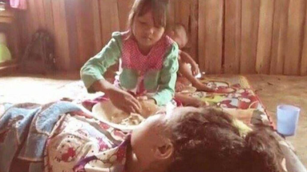 Kisah Rahma, 'Si Bocah Tangguh' yang Sendirian Urus Ibu Lumpuh
