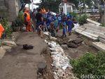 Jalan Amblas di Cipinang Mulai Diperbaiki