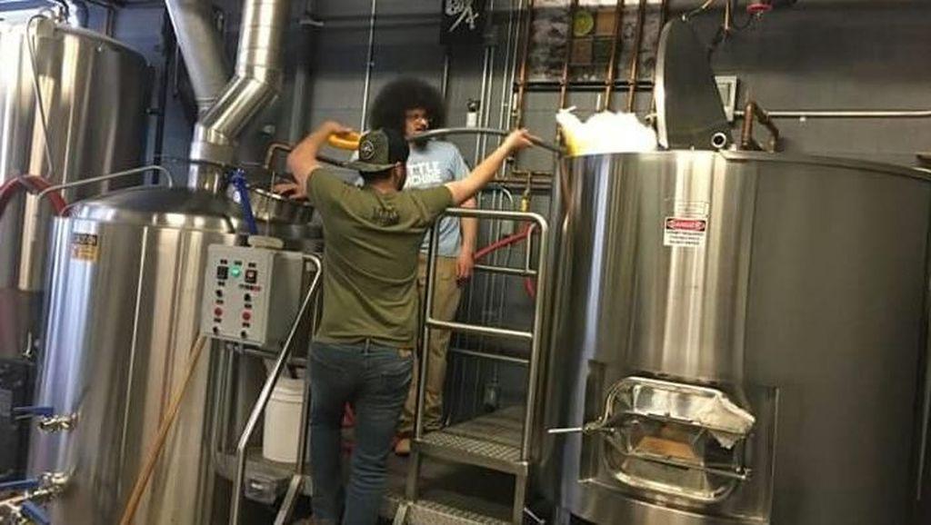 Pengusaha Bir Ini Manfaatkan Salju Murni untuk Meracik Bir