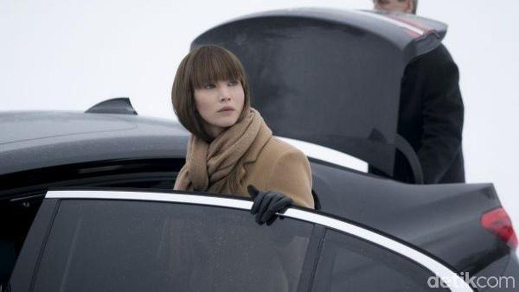 Jadi Mata-mata, Jennifer Lawrence Naik Mobil Mewah