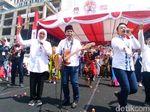 Membawa Gitar, Emil-Khofifah Bersholawat di Deklarasi Kampanye Damai