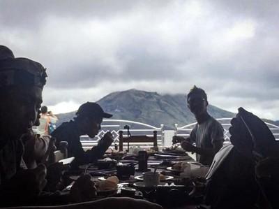 Makan Siang dengan Panorama Terindah di Bali