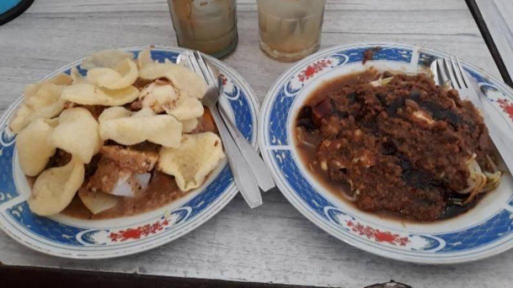 Siang-siang Enaknya Makan Toge Goreng Bogor