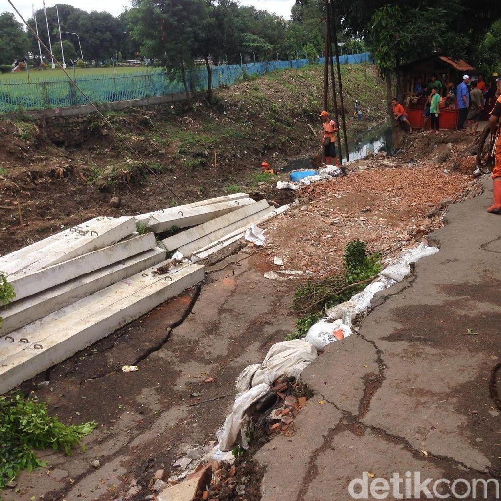 Penampakan Jalan Ambles di Pulogadung