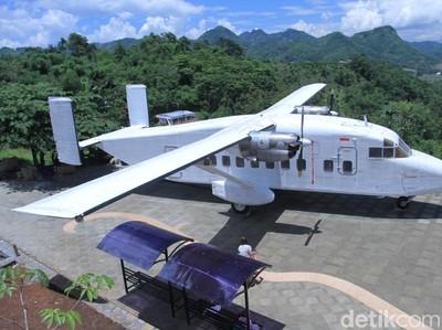 Foto: Ini Pesawat yang Jadi Tempat Makan Romantis di Bandung