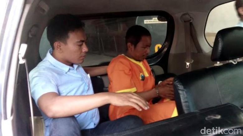 Penyerang Kiai Hakam Dibawa ke RS Bhayangkara: Diam, Palingkan Muka