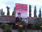 Ratusan Baliho Bergambar Calon Bupati Magelang Masih Bertebaran