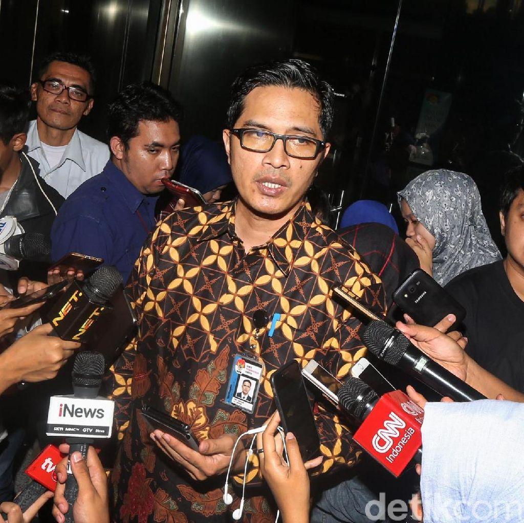 KPK Sita 8 Kontainer Dokumen Hasil Geledah di Bengkalis
