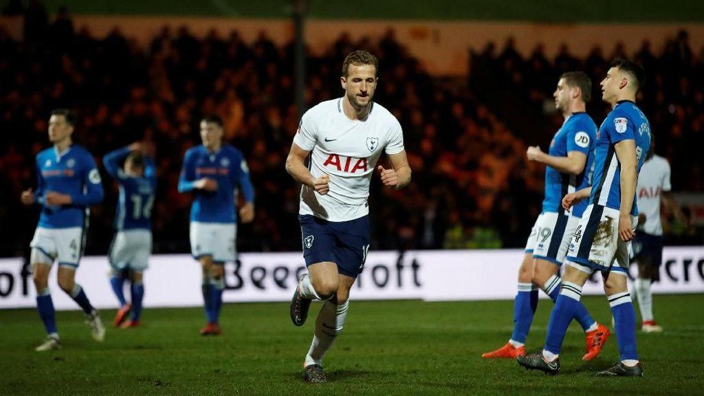 Spurs Ditahan Tim Divisi Tiga Liga Inggris