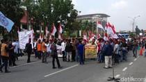 Warga Suku Sakai di Riau Demo Polda dan DPRD Menuntut Hak Tanah