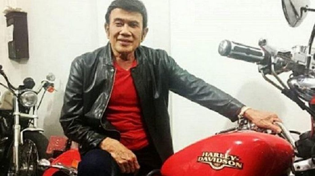 Wow! Rhoma Irama Disawer Harley Davidson