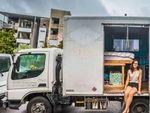 Gadis Brisbane Ini Pilih Truk Sebagai Rumah