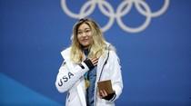 Raih Medali Emas, Atlet Ini Enggan Menangis karena Tak Mau Rusak Eyeliner