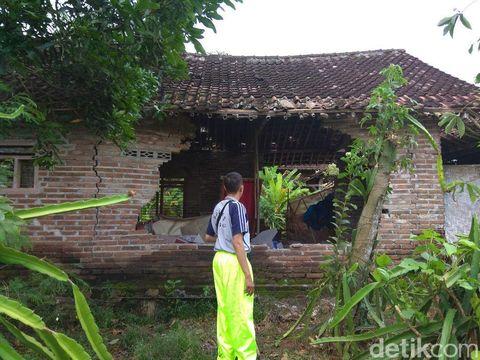 Puting Beliung Terjang 2 Desa di Banyuwangi, Puluhan Rumah Rusak