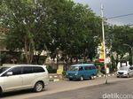 PLN Cirebon Bakal Pindahkan Tiang Listrik di Tengah Jalan