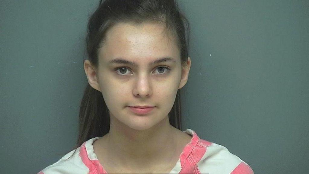 Remaja Cantik Ini Ditangkap Atas Dugaan Dalangi Perampokan Sang Ayah