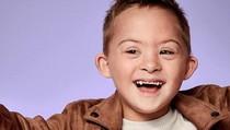 Aksi Anak-anak Difabel yang Bergaya Bak Model Profesional