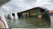 Kapal Kandas di Perairan Palembang, 8 Truk Ikut Terbalik