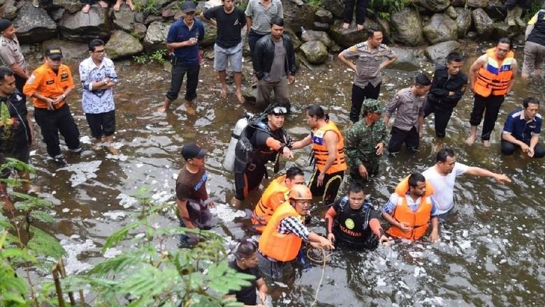 Lompat dari Air Terjun untuk Buat Film, Siswa SMP Pagar Alam Hilang