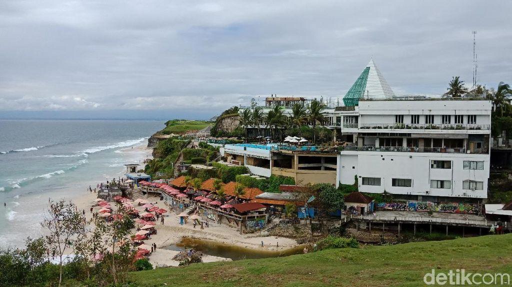 Foto: Pantai di Bali yang Menyempit