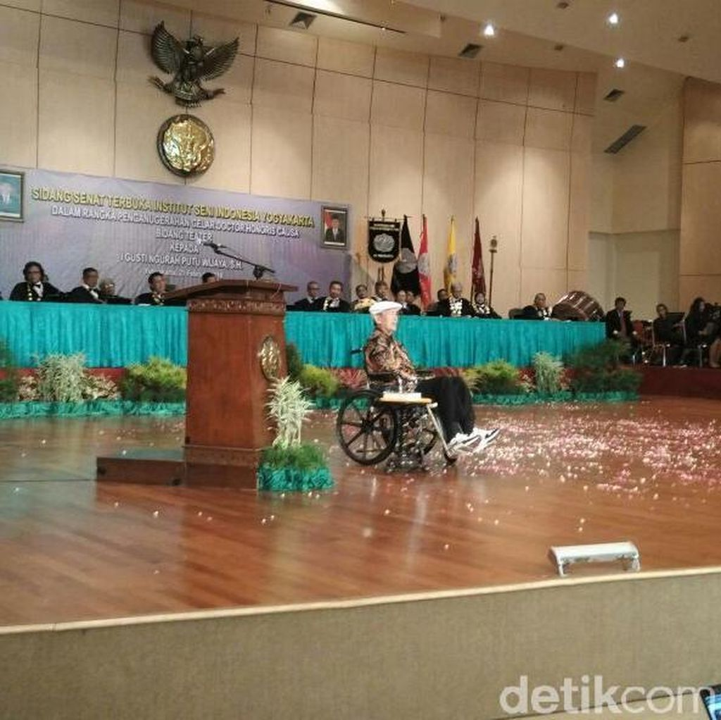 Putu Wijaya Dianugerahi Gelar Doctor HC oleh ISI Yogyakarta