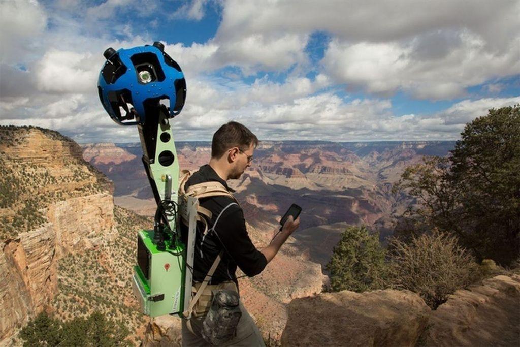 Ini adalah kamera khusus yang dirancang Google untuk merekam gambar Street View yang dinamakan Trekker. Foto: google