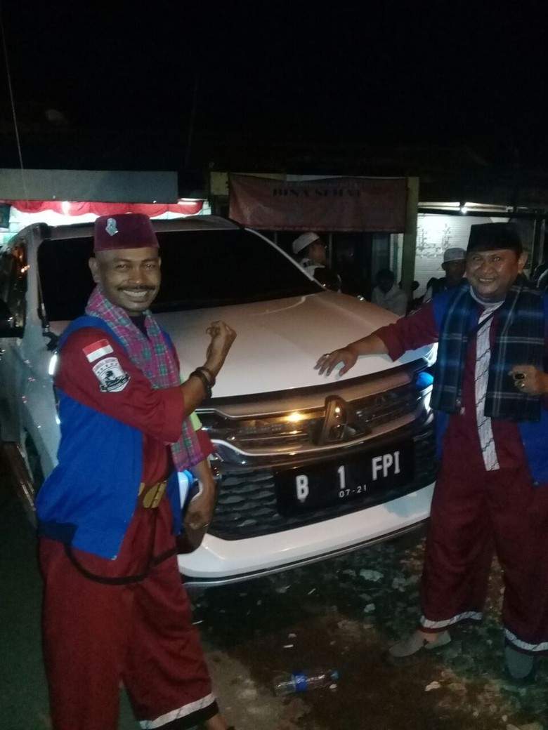 PA 212 Yakin Habib Rizieq Pulang, Mobil B 1 FPI Siap Jemput di Bandara