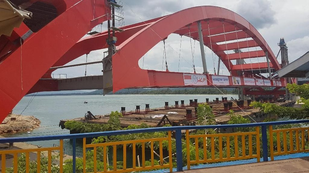 Jembatan Holtekamp Papua Cetak Dua Rekor MURI
