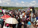 Saluran Buangan Jadi Pemicu Banjir, Warga Brebes Tutup Jalan Tol