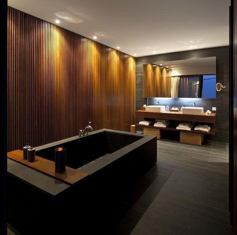 Hotel LAND Vineyards di Montemor-o-Novo, Portugal disebut-sebut punya kamar mandi terbaik buat bercinta. Desainnya minimalis, luas dan cahaya lampu yang temaram (dok. Expedia)