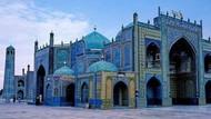 Foto: Masjid yang Konon Dibangun di Atas Tulang Khalifah
