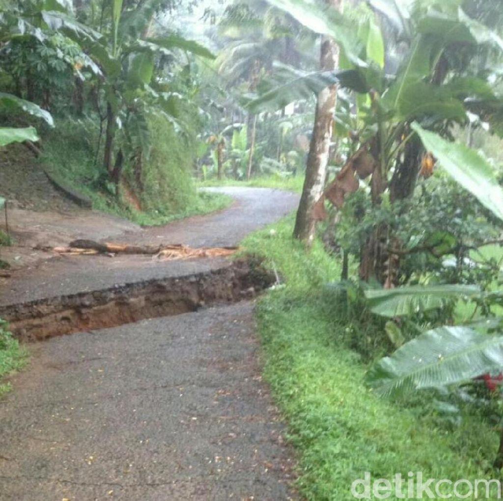Pergerakan Tanah di Panawangan Ciamis, Jalan Amblas dan Rumah Retak