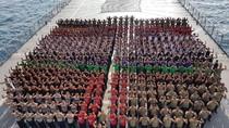 Ratusan Marinir Siap Taklukkan Selat Sunda dengan Renang dan Dayung