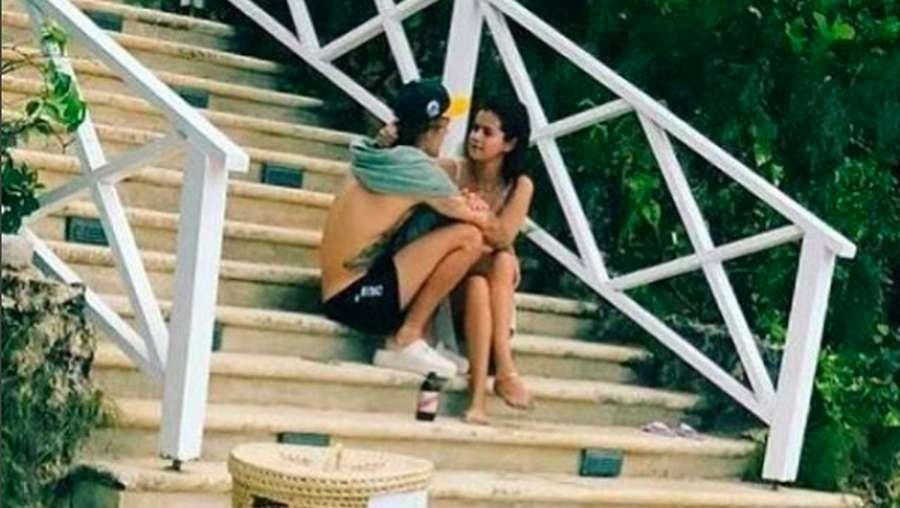 Mesranya Justin Bieber dan Selena Gomez di Pernikahan Sang Ayah