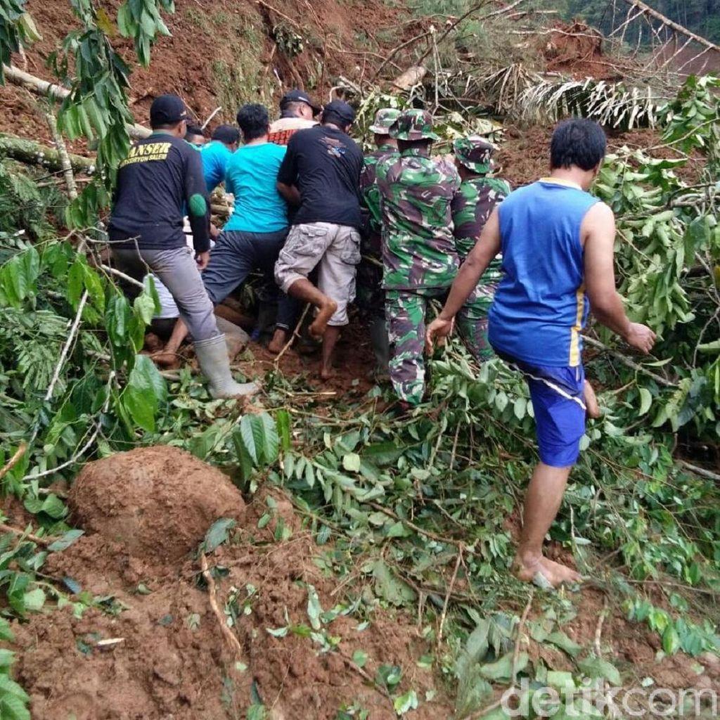 Lima Korban Longsor di Brebes Ditemukan Meninggal