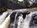 Berpose Terjun Sungai, Pelajar di Sukabumi Tewas Tenggelam